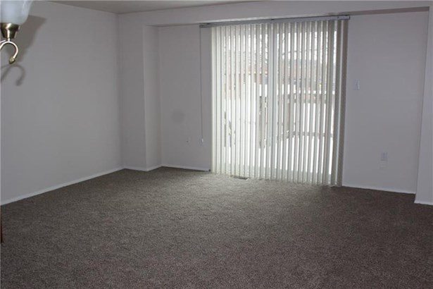 206 Bayberry Lane, Imperial, PA - USA (photo 4)