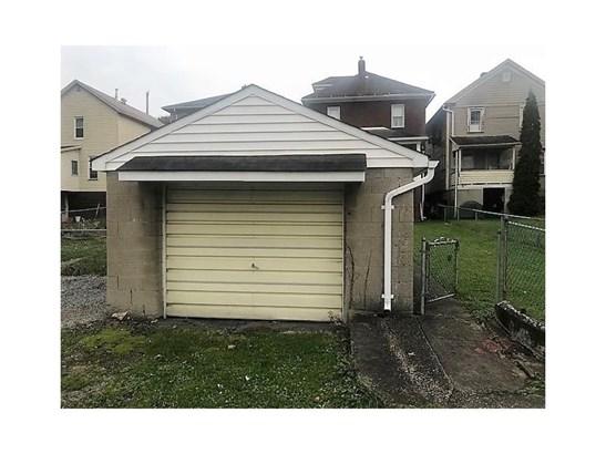410 Division Ave, Ellwood City, PA - USA (photo 5)