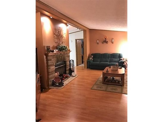 229 Connoquenessing Dr, Evans City, PA - USA (photo 5)