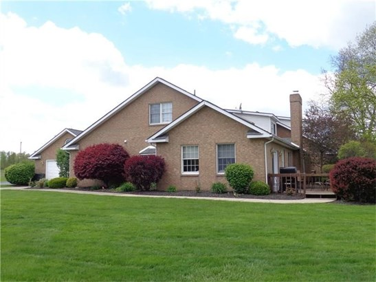 111 Clubhouse Circle, West Middlesex, PA - USA (photo 1)
