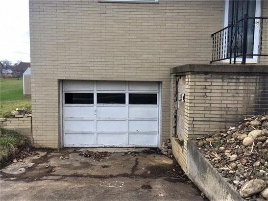 117 Howard, Brownsville, PA - USA (photo 3)