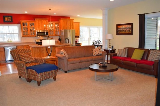 24 Teaberry Ln, Grove City, PA - USA (photo 4)