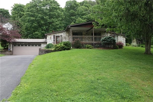 240 Maplewood Dr, Canonsburg, PA - USA (photo 1)