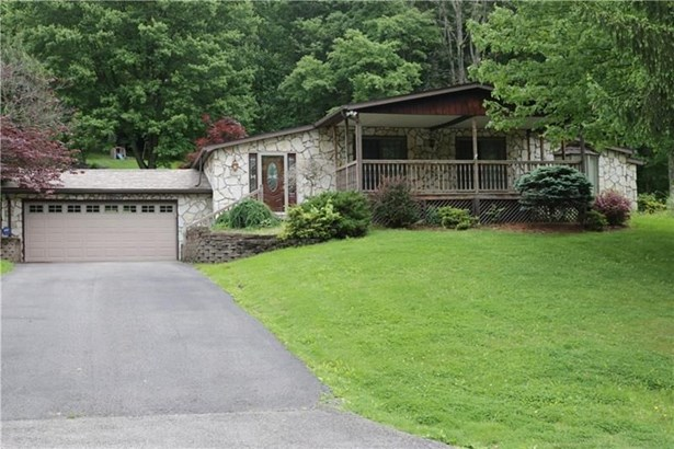 240 Maplewood Dr, Canonsburg, PA - USA (photo 2)
