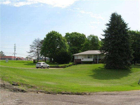 1766 Mercer Rd, Ellwood City, PA - USA (photo 2)