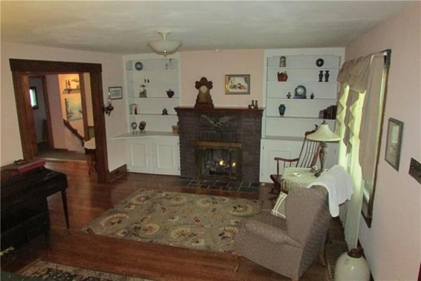 235 S Lincoln St, New Wilmington, PA - USA (photo 5)