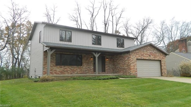 2411 Laurel Valley, Akron, OH - USA (photo 1)