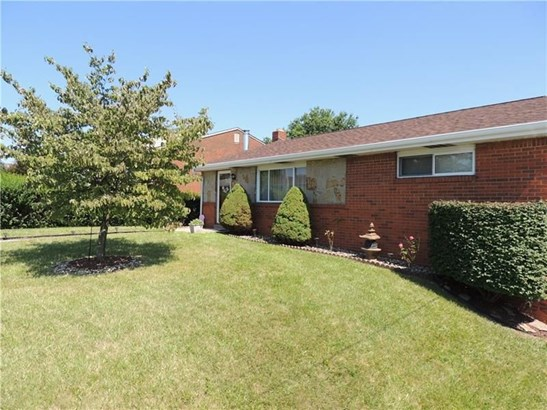 1111 Portsmouth Dr, Mckeesport, PA - USA (photo 2)