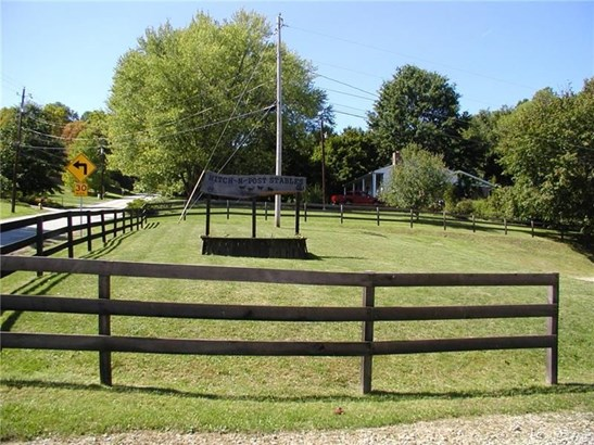 601 Upper Middletown Road, Smock, PA - USA (photo 2)