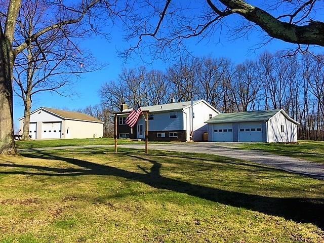 216 Heller Rd, Butler, PA - USA (photo 2)