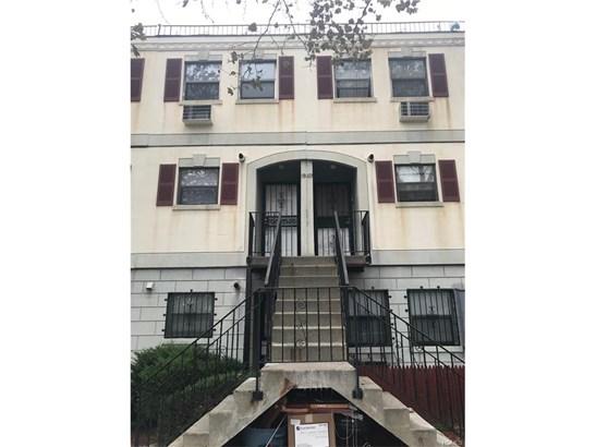 Condominium, Garden Apartment - Bronx, NY (photo 1)