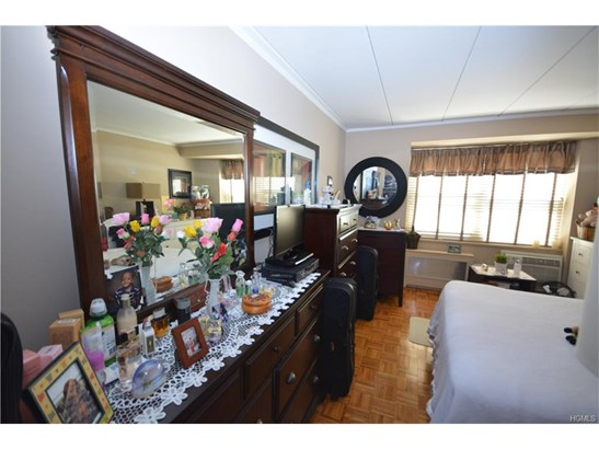 Mount vernon ny real estate homes for sale leadingre for 636 north terrace mount vernon