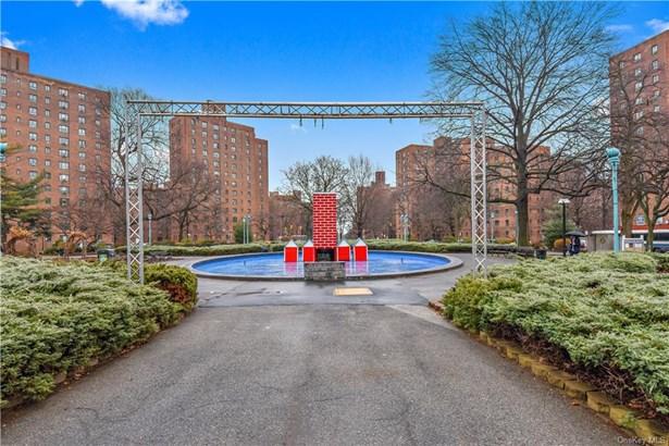 Condominium, High Rise - BRONX, NY