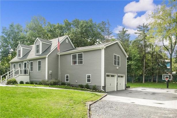 Single Family Residence, Contemporary,Cape - Cornwall, NY