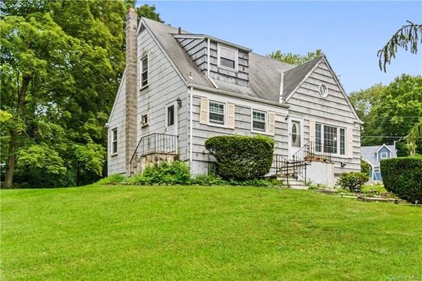 Single Family Residence, Cape - Cortlandt Manor, NY