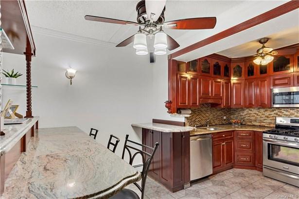 Condominium, Garden Apartment - BRONX, NY