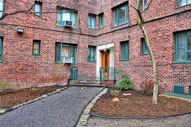 Condominium, Mid Rise - Bronx, NY (photo 2)