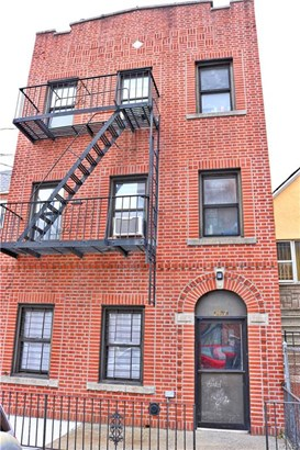 Multi Family (2-4 Units), Colonial - Bronx, NY