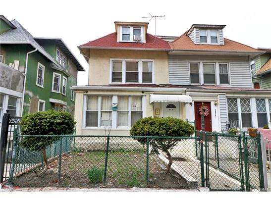 Chalet, Duplex - Bronx, NY (photo 1)