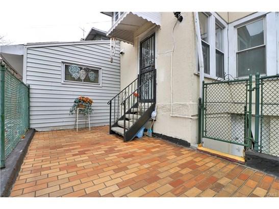 Chalet, Duplex - Bronx, NY (photo 3)