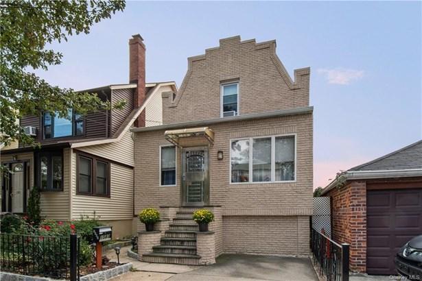 Single Family Residence, Colonial - BRONX, NY