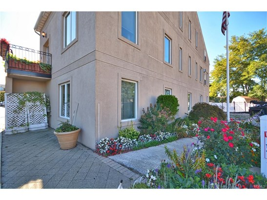 Garden Apartment,Other/See Remarks, Condominium - Bronx, NY (photo 2)