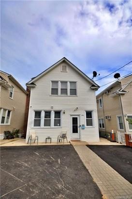 Single Family Residence, 2 Story,Trilevel - Yonkers, NY