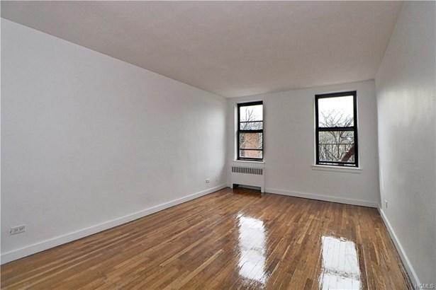 Mid Rise, Co-Operative - Bronx, NY (photo 3)