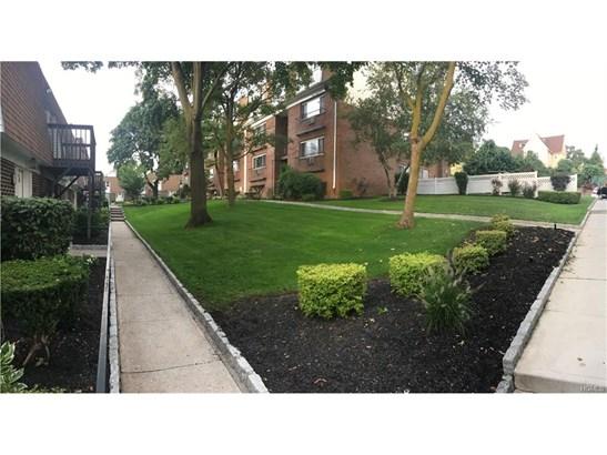 Garden Apartment, Co-Operative - Yonkers, NY (photo 1)