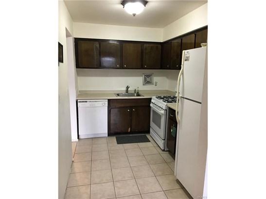 Garden Apartment, Co-Operative - Yonkers, NY (photo 5)