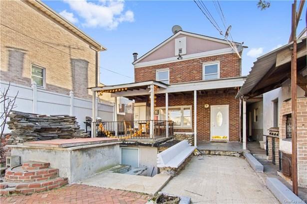 Single Family Residence, 2 Story - BRONX, NY