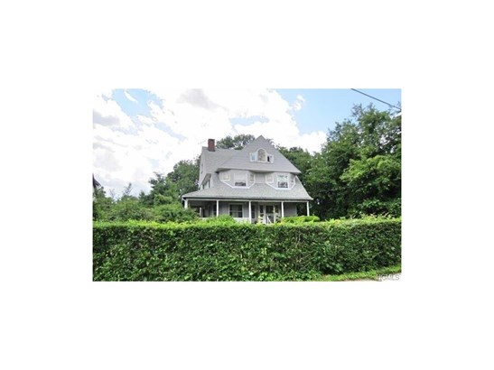 Colonial,Trilevel, Single Family - New Rochelle, NY (photo 4)