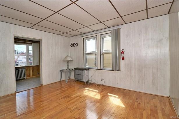 Contemporary, Single Family - Bronx, NY (photo 3)