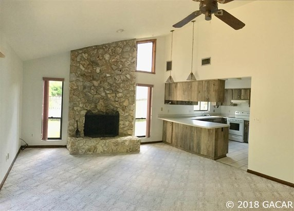 Ranch,Traditional, Detached - Gainesville, FL (photo 3)