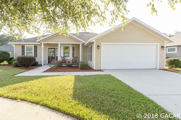 Traditional, Detached - High Springs, FL (photo 2)