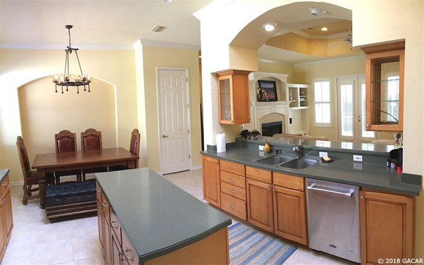 2 Story,Traditional, Detached - Gainesville, FL (photo 5)