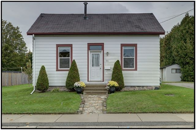 261 Victoria St N, Port Hope, ON - CAN (photo 1)