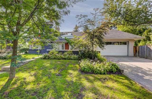 2 Edgevalley Dr, Toronto, ON - CAN (photo 1)