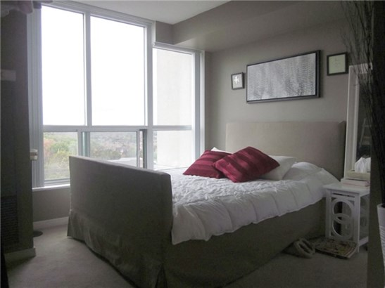 2545 Erin Centre Blvd 1110, Mississauga, ON - CAN (photo 4)