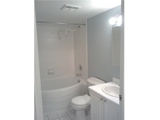 2545 Erin Centre Blvd 1110, Mississauga, ON - CAN (photo 5)