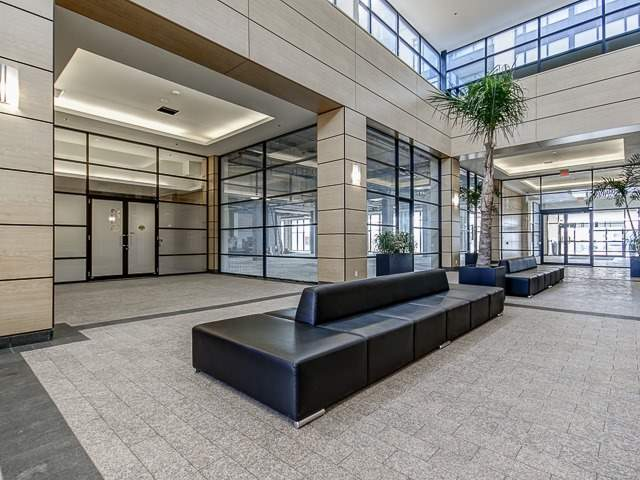 2900 Highway 7 504, Vaughan, ON - CAN (photo 2)