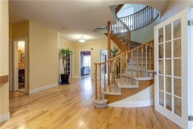 1611 Valley Ridge Cres, Pickering, ON - CAN (photo 2)