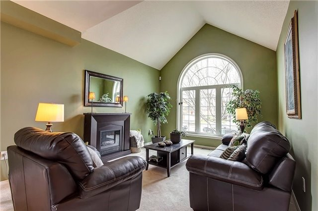 1611 Valley Ridge Cres, Pickering, ON - CAN (photo 3)