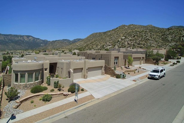 Custom,Pueblo, Detached - Albuquerque, NM (photo 4)