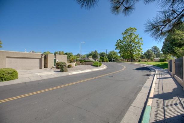 Attached - Albuquerque, NM (photo 4)