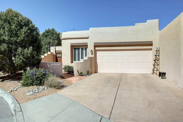 Patio Home, Attached - Albuquerque, NM (photo 1)