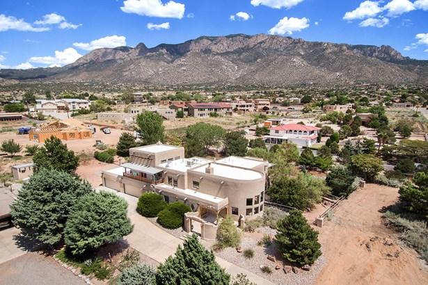 Pueblo, Detached - Albuquerque, NM