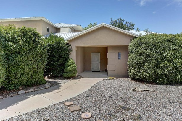 Custom,Northern New Mexico, Detached - Albuquerque, NM (photo 3)