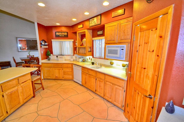 Custom,Northern New Mexico, Detached - Albuquerque, NM (photo 5)