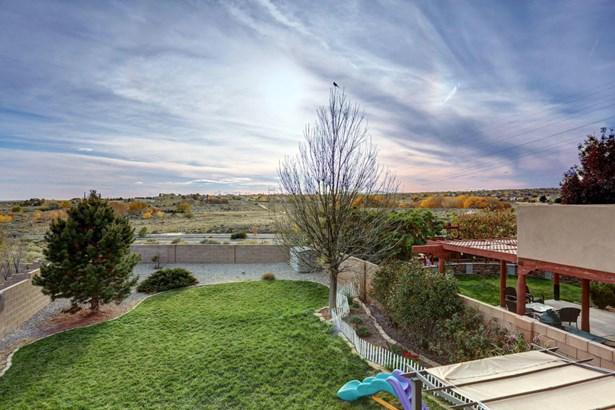Split Level, Detached - Albuquerque, NM (photo 2)